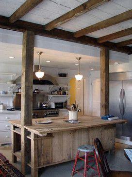 cuisine lambris poutres bois et lambris blanc aménagement cuisine