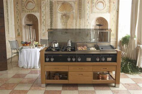 piani cottura da esterno simple cucina da esterno su misura moduli fuochi a