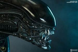 Ready your flamethrowers, Sideshow's Alien 'Big Chap' is ...