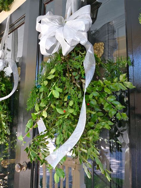 find easy instructions  creating swags  cut greenery