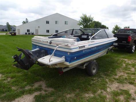 bayliner capri  ft fiber glass boat ncs collector