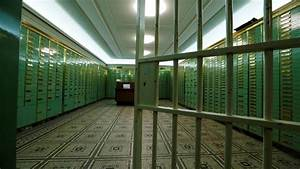 Worried about valuables in safety lockers? Here's what RBI ...