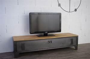 Meuble Tele Industriel : vestiaire transform en meuble tv industriel metal et bois ~ Teatrodelosmanantiales.com Idées de Décoration