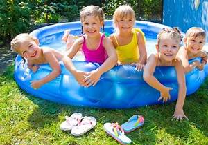 TIPS ON BUYING A SMALL SWIMMING POOL FOR KIDS