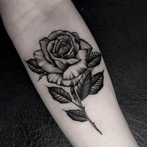 Dessin D Hirondelle Pour Tatouage : fleur dessin noir et blanc tatouage cochese tattoo ~ Melissatoandfro.com Idées de Décoration