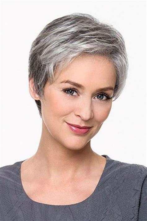 beeindruckende graue frisuren fuer frauen frisuren