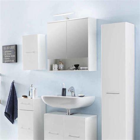 badezimmer regal unter spiegel die besten 25 badezimmer ablage ideen auf