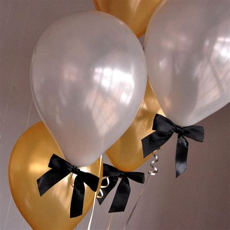graduation balloons handcrafted    business days