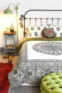 magical thinking temple medallion duvet from outfitters