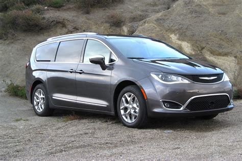 jeep dodge chrysler 2017 introducing the 2017 chrysler pacifica ken wise chrysler