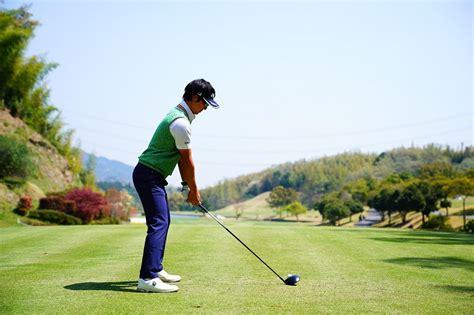 ゴルフ スイング 連続 写真
