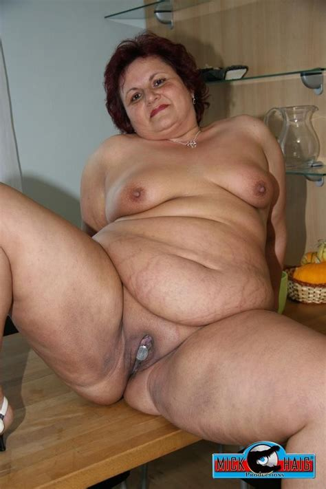 2 In Gallery Fat Granny Gets Fucked Dicke Oma Macht