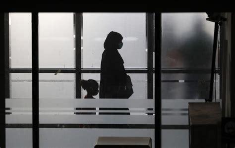 quarantine virus china quarantined masks americans under outbreak