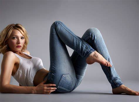 The Hottest Svelte Jeans Website