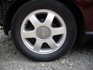 Audi A3 Felge : 5x audi alufelgen 6x15 et38 vom a3 biete audi ~ Kayakingforconservation.com Haus und Dekorationen