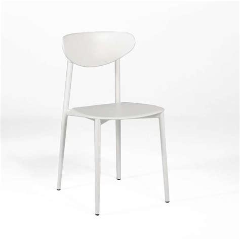 chaises cuisine blanches chaise de cuisine en polypropylène blanche 4 pieds