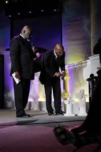 Td Jakes Potters House Gallery
