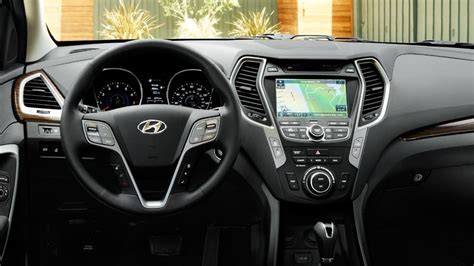 2015 Hyundai Santa Fe Sport 2.0T AWD: Wears Many Hats