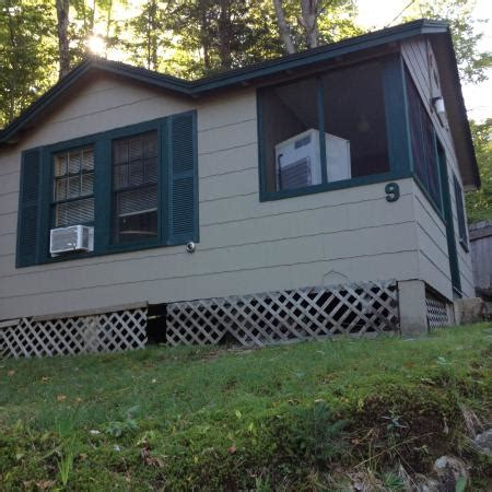 lincoln nh cabins mini kitchen living room with a tv picture of cozy