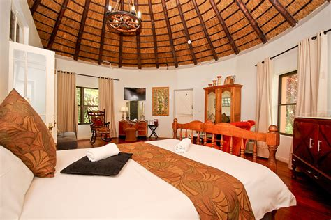 african hut montagu country hotel  route  western