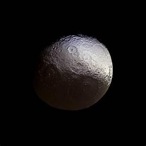 Investigating Subtle Colors on Iapetus | NASA