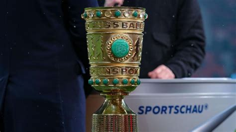 German cup) is a german knockout football cup competition held annually by the german football association (dfb). Dfb-Pokal-Auslosung : DFB-Pokal: Die Auslosung im Live-Ticker