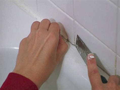 how to caulk a bathtub how to re caulk a bathtub how tos diy