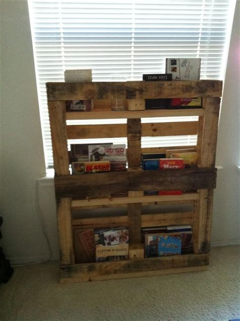 bookshelf made from pallets diy bookshelf ideas with pallet wood pallet furniture plans