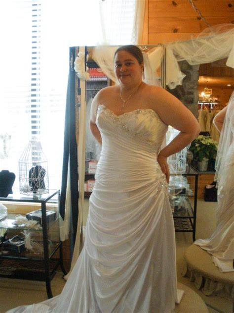 the ultimate guide to plus size wedding dress shopping