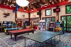 Maison geek salle de jeux tuxboard for Salle de jeux maison
