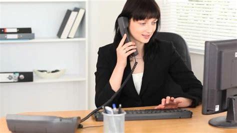 femme de m age bureau femme d 39 affaires bébé bureau hd stock 524 070