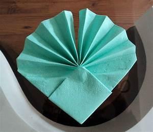 Pliage De Serviette En Papier Facile : pliage de serviette pour anniversaire pliage de ~ Melissatoandfro.com Idées de Décoration