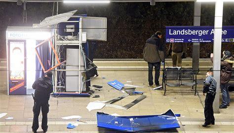 Wohnung Mieten Berlin Landsberger Allee by S Bahnhof Landsberger Allee Geldautomat Auf Bahnsteig