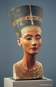 What did nefertiti do