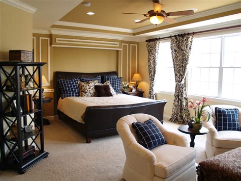 Master Bedrooms With A Sitting Area (sofa, Chairs, Chaise