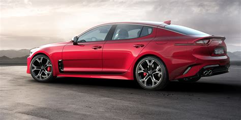 kia stinger revealed detroit debut  kw rear