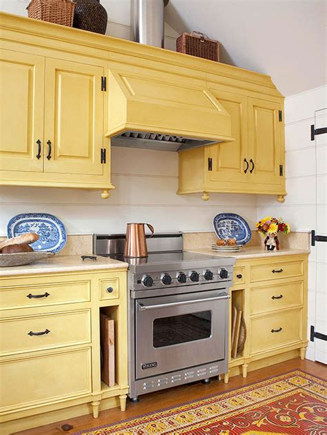 Kitchen Cabinet Yellow by Popular Kitchen Cabinet Colors Better Homes Gardens