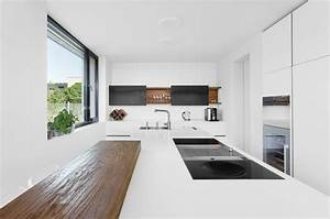 Luxuskuche zeile halbinsel corian holz edelstahl for Plan 3 küche
