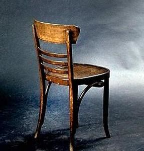 une chaise vide resume vous qui passiez par hasard 2014 octobre 07