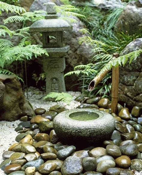 traditional japanese courtyard  water fountain