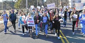 Hundreds of EHS students walk out to protest racist ...