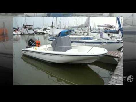 Boston Whaler Deck Boats by Boston Whaler Dauntless 18 Power Boat Deck Boat Year