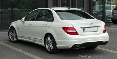 For stopping power, the w204 class c 220 cdi braking system includes vented discs at the front and discs at the rear. File:Mercedes-Benz C 220 CDI BlueEFFICIENCY Avantgarde Sport-Paket AMG (W 204, Facelift ...