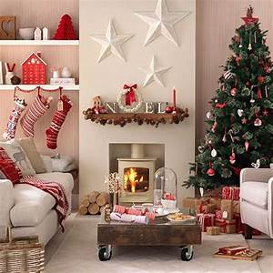 Christmas decorating ideas for small spaces our for Homemade decoration ideas for living room