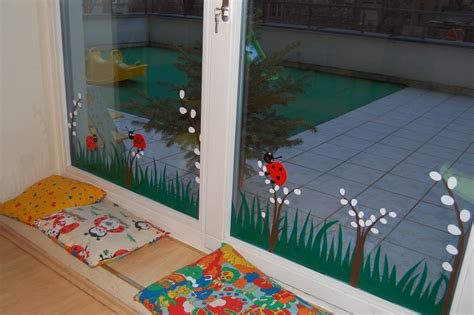 windows decoration idea for preschool ideas 121 | 5576ea95c254146a451242581b11d2de