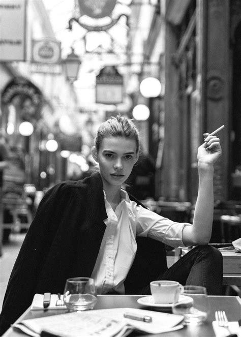 La Parisienne: Adeline - Nicoline's Journal | Standard