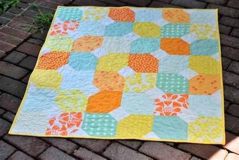 baby quilt patterns citrus and mint baby quilt free pattern craft buds