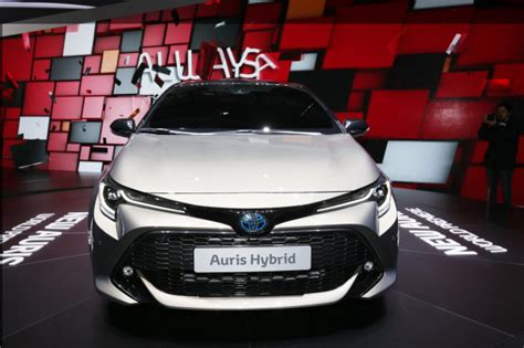 Toyota Yaris 2019 Europe by 2019 Toyota Corolla Hybrid Hatchback Debuts In Geneva For