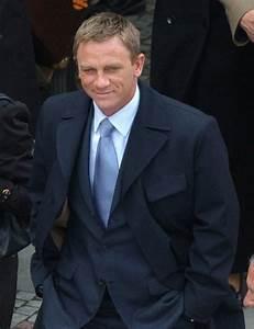Casino Royale: Bond's Dark Blue Suit and New Aston Martin ...