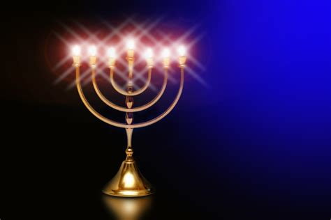 Light The Menorah by How Do You Light The Menorah Breaking Matzo